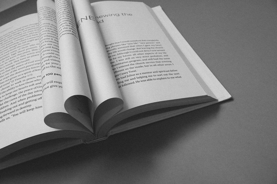 book-912726_960_720